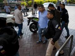 Functionaries of the Venezuelan intelligence service detain ex-Minister Rodriguez Torres