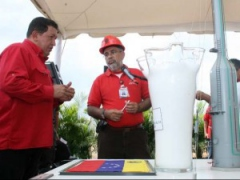 "President Chavez presents plans for Venezuela's ""petrochemical revolution"" during his weekly TV program Aló Presidente. (MinCI)"
