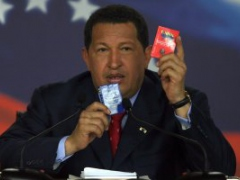 Chavez speaking at press conference in Miraflores Presidential Palace (Alex Guzman/ABN)
