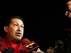 Venezuelan President speaks to reporters at the airport upon his return to Venezuela (Prensa Presidencial)