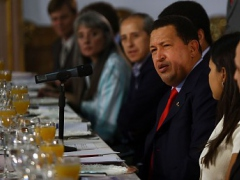 President Chavez at a press conference with foreign journalists on Tuesday (Winston Bravo, ABN)