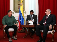 President Hugo Chávez and Brazilian Defense Minister Nelson Jobim (Prensa Presidencial)