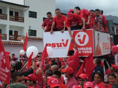 March in support of Marcos Diaz, PSUV candidate for governor of the state of Merida (Tamara Pearson)