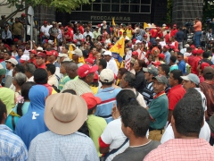 Farmer rights organizations marched in front of the Venezuela's main chamber of commerce, FEDECAMARAS Monday, in support of government food security policies. (ABN)