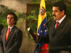 Foreign Relations Ministers Nicolas Maduro of Venezuela (right) and Jaime Bermudez of Colombia in Caracas Wednesday. (ABN)