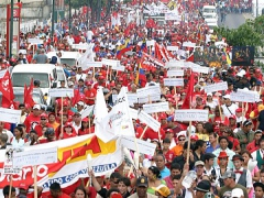 Marchers celebrate Day of the Journalist in Caracas (ABN)