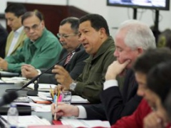 President Hugo Chavez in a meeting with his Council of Ministers (ABN)