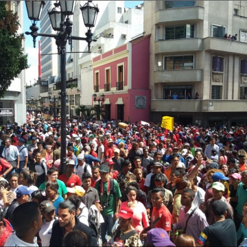 The march in the end was too big to fit in Plaza Bolivar, with only a few participants staying for Maduro's televised address (Ricardo Vaz)