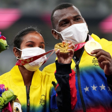 The 23-year-old is not unfamiliar with victories, having won silver in the 400 meters at the Lima 2019 Parapan American Games. Pérez and her guide Alvaro Luis Cassiani Herrera run 100m, 200m and 400m flat. (EFE)
