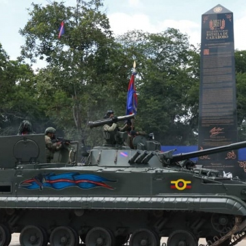 The civic-military parade was carried under strict health precautions to avoid a new spread of Covid-19. (Twitter / @VTVcanal8)