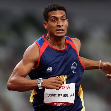Rodríguez won silver in the T20 400-meters with a record of 47.71 (his personal best). The T20 category is for athletes with an intellectual impairment that impacts running, jumping or throwing events. (Twitter / @juegosolimpicos)