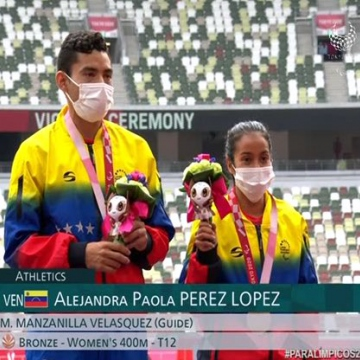 Athlete Alejandra Paola Pérez closed up the August 31 victory round with her bronze medal in women's T12 400m, registering a time of 56.95. (ACN)