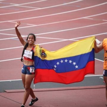 Alejandra's bronze was the second for Venezuela in Tokyo 2020. The athlete is gold medallist Linda Pérez's twin sister. Both have visual impairment. (archyworldys)
