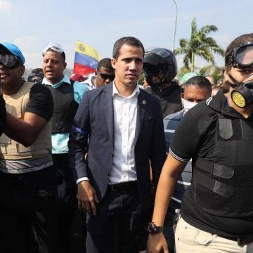 Opp march, Juan Guaido
