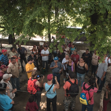 Residents and activists held an assembly to discuss how to mobilize against mining activities in Cerro La Vieja (Marcelo Volpe).