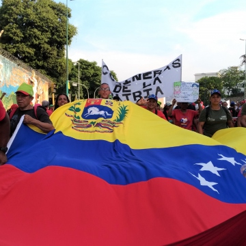Chavista forces took to the streets in strength to celebrate May 1 and oppose the coup d'etat. (Katrina Kozarek)