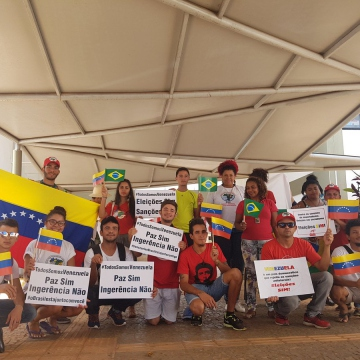Youth From Brazilia Join The Day Of Solidarity With Venezuela
