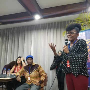 Ecuadorian delegates addressed the Afro-Descendent work group, explaining about the plight of their communities. (Jeanette Charles / Venezuelanalysis)