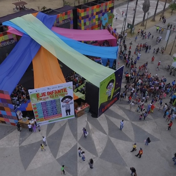 The infant branch of the theatre festival was held in Ali Primera Park in Catia, west Caracas, and attracted hundreds of families. (Fundarte)