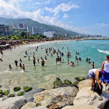 Venezuelans travel for Carnival