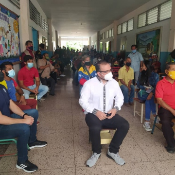Party members take part in an assembly in the state of Mérida where they were able to elect candidates for upcoming regional elections (@PartidoPSUV / Twitter)