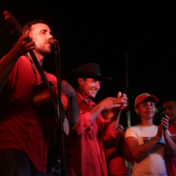 "Sandino Primera and his band have been touring the country to present their new production ""La Alborada"" (""dawn"") (Seguei Alvarado)."