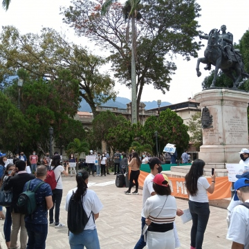 Protests were also held outside of Caracas, such as this one in Merida's Bolivar Square. (@SomosMov / Twitter)