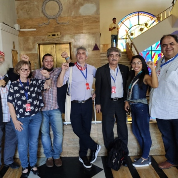 A delegation from the World Peace Council played an important role in the encounter, led by its executive secretary, Iraklis Tsavdaridis (right). (Paul Dobson / Venezuelanalysis)