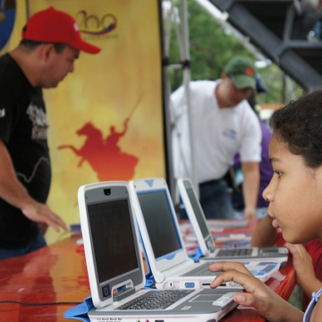 A young Venezuelan student reviews the newly released 3.0 Canaima Linux operating system which is to be included in all government-financed Canaima laptop computers currently being distributed to elementary school children nationwide  (Luigino Bracci).