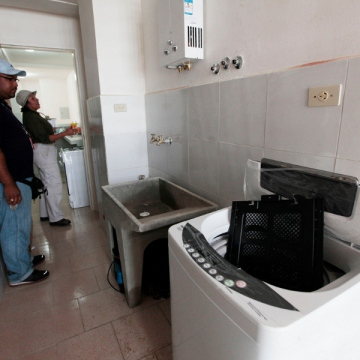 The government social program known as Mi Casa Bien Equipada (My Well-Equiped Home) provides home appliances to families at discount prices (AVN).