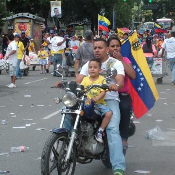 Part of the pro-Capriles march on Sunday (Tamara Pearson / Venezuelanalysis.com)