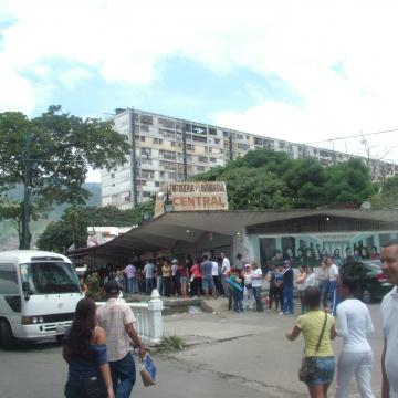 The voting booth Gabriela Mistral School, in 23 de Enero barrio, Caracas, at around 12 midday today (Tamara Pearson / Venezuelanalysis.com)