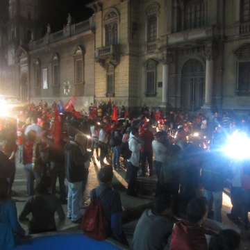 Within minutes of Chavez's victory being announced, a crowd of over a thousand people gathered to celebrate in the central Plaza Bolivar of the Andean city of Merida, with Chavez supporters continuing to arrive over the next few hours. (Ewan Robertson / Venezuelanalysis.com)