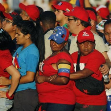 Supporters lined up for hours to see Chavez one last time. (Reuters)