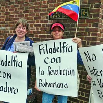 Solidarity activists on April 11 in Philadelphia, USA. (Joseph Piette/Workers World)