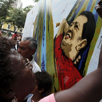 Supporters wrote messages on images of Hugo Chavez in remembrance of the late president. (AVN)