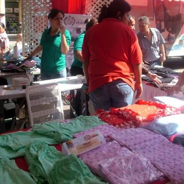 EPS Confecciones La Veguita, Caracas, produces uniforms, sheets, towels, and baby clothes