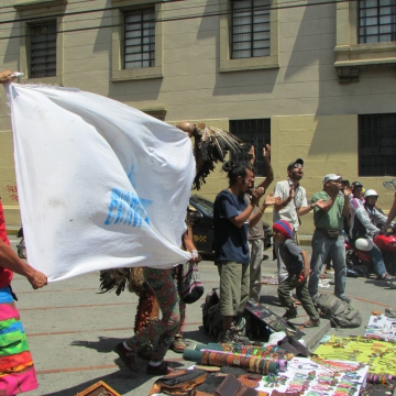 Local artisans also made their feelings clear when the chavista march passed by.