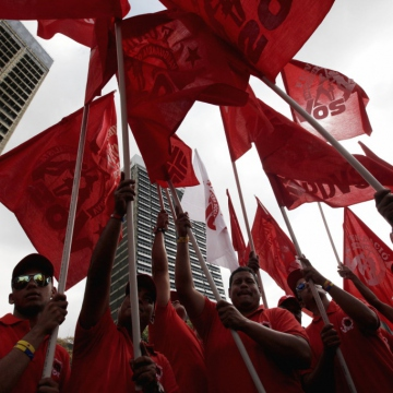 Workers from the state oil company PDVSA. (AVN)