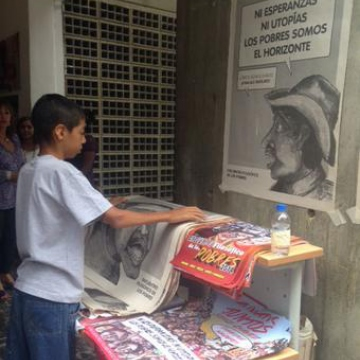 "Posters that read ""Neither hopes nor utopias, we, the poor, are the horizon"" were distributed at the philosophical summit of the poor (Photo: TeleSUR)."