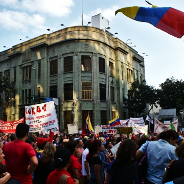 "The march culminated in front of the venezuelan chancellery. The ""Pioneers Movement"" handed over a petition with several proposals about comunity organizing, infrastructure and laws. (Jonas Holldack - Venezuelanalysis)"