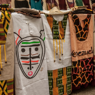 Afro-Venezuelan inspired clothing was also exhibited and sold, encouraging Venezuelans to take pride in the cultural manifestations of their African heritage  (Afroo Raiz Afroo Indigena)