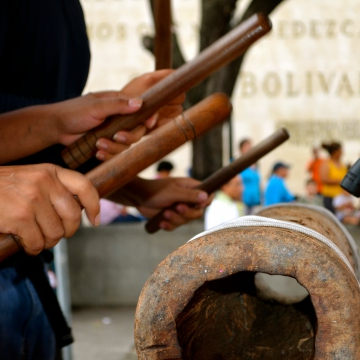 Drums such as this one were not only used historically for musical celebrations in Afro-Venezuelan communities, but also as a means of clandestine communications (Rachael Boothroyd Rojas/Venezuelanalysis)