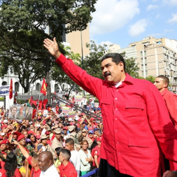 Venezuelan President Nicolas Maduro promises supporters that there will be no impeachment in Venezuela. (AVN)
