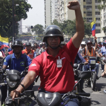 Motorcyclists rally in support of the Maduro government. (AVN)