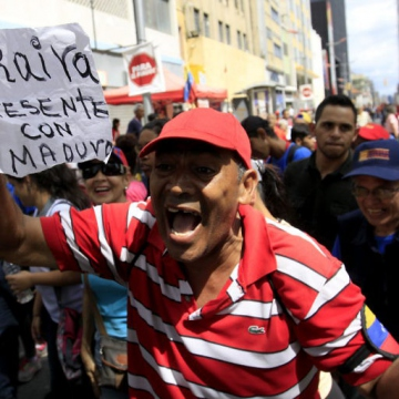 """Araira present with Maduro"" (AVN)"
