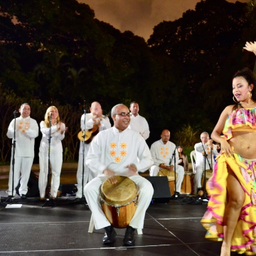 Moving on to some traditional Venezuelan tambor music and dancing. Tambor emerged from the cultural traditions of Venezuela's afro-descendent communities. (Rachael Boothroyd Rojas - Venezuelanalysis.com)