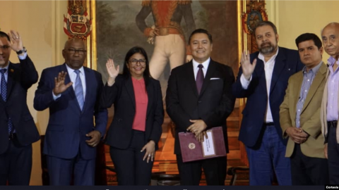 Venezuelan opposition fractions signed a deal with the Maduro government on September 16. (@CancilleriaVE)