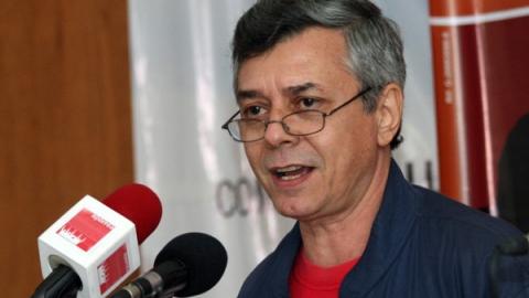 Journalist Gonzalo Gomez at the counter-summit (Iván Ordoñez)
