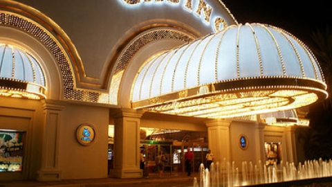 High consumers of electricity such as casinos must reduce usage by 20% (Aporrea).